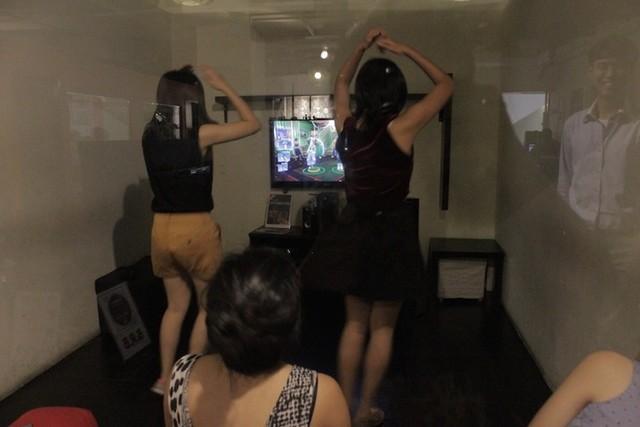 Không gian quán cho phép khách trải nghiệm đủ các thể loại game.