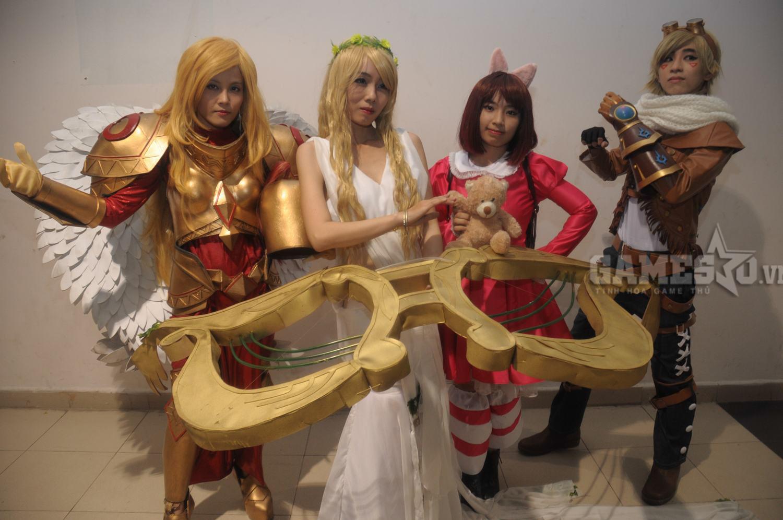 Liên minh huyền thoại, món ăn không thể thiếu ở bất kì lễ hội cosplay nào