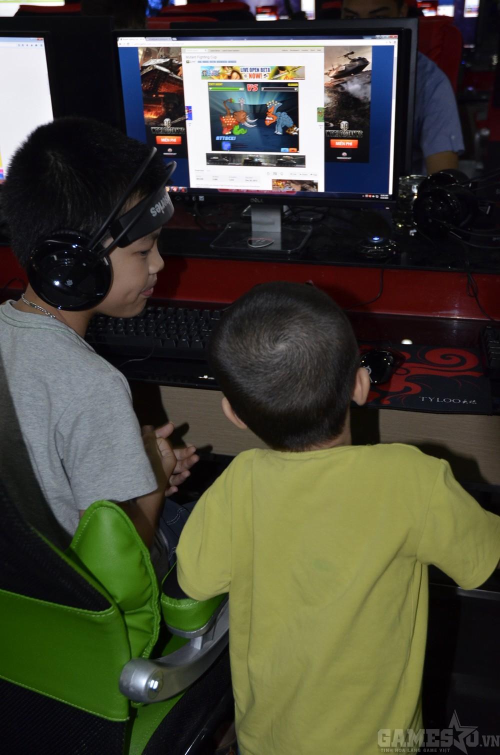 Game thủ nhí cũng được chơi những trò chơi phù hợp với lứa tuổi