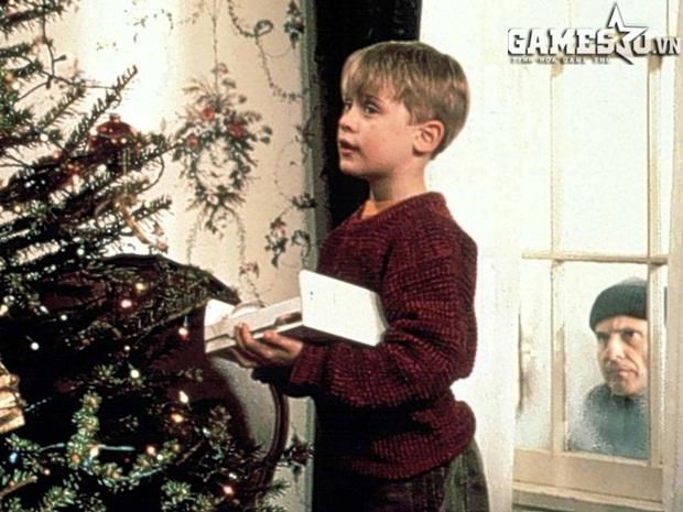 Macaulay Culkin chỉ 9 tuổi khi nổi tiếng toàn thế giới với phim Ở nhà một mình. Ảnh: Independent