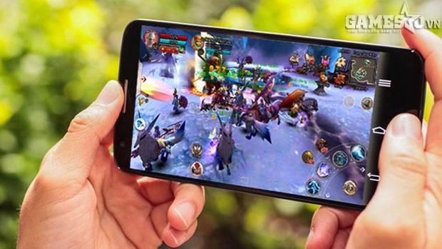 Việc sỡ hữu chiếc smartphone ngày càng dễ dàng cũng chính là điều kiện đưa dân Việt gần gũi với ứng dụng Internet hơn