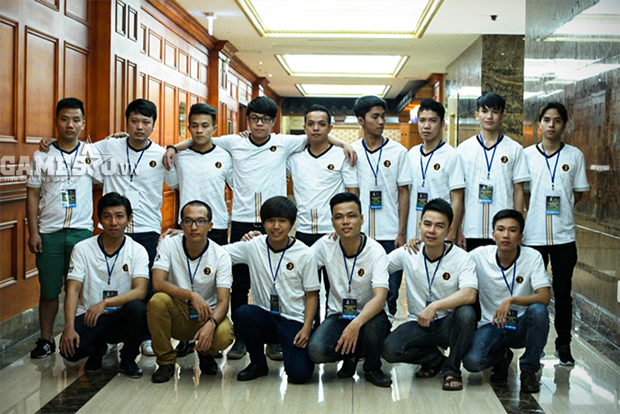 16 tuyển thủ tham dự giải