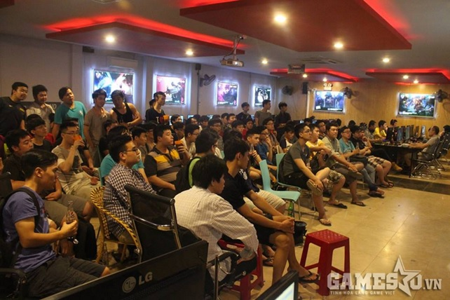 Người hâm mộ đang tập trung tại Imba Stadium để theo dõi trực tiếp trậnđấu của Skyred ngày hôm nay