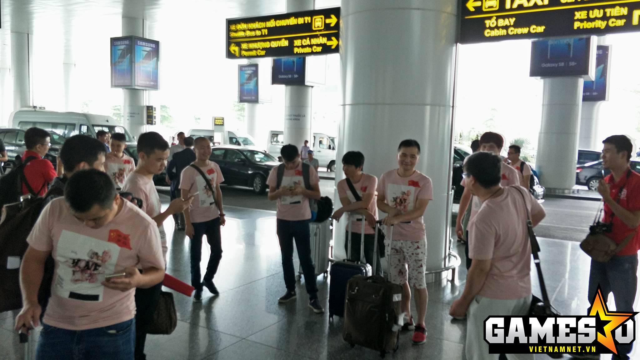 Đoàn AoE Trung Quốc đã xách va li về nước sớm