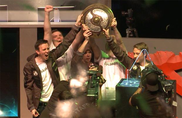 Akke và EGM trong thành phần Alliance vô địch TI3