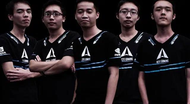 Lis và Misa (ngoài cùng bên trái) trong đội hình Aces Dota2