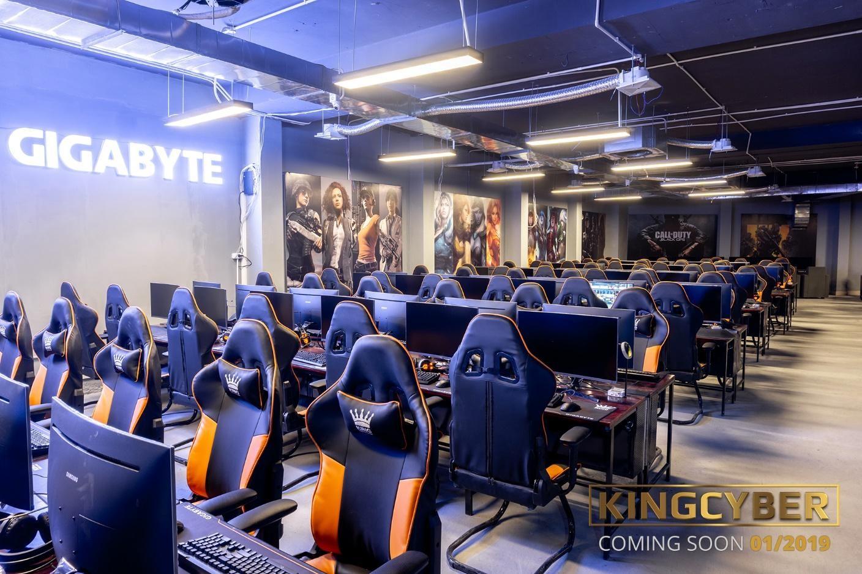 Khu vực máy VIP sử dụng full phím cơ và màn hình 144hz