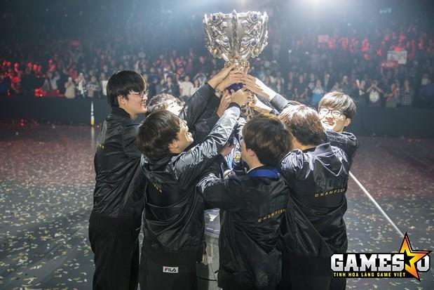 SKT đã khép lại thêm một mùa giải đại thành công với chức vô địch CKTG 2016 cùng danh hiệu MVP dành cho Faker