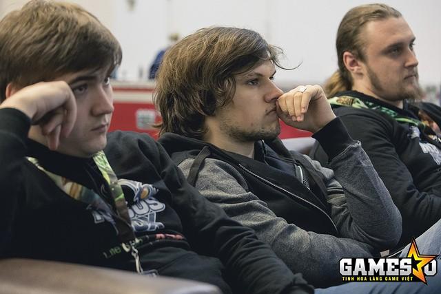 Các đồng đội của Likkrit tại ANX hẳn đang lo sốt vó trước tình trạng sức khỏe của người chơi hỗ trợ