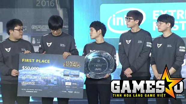 Samsung lên bục nhận giải thưởng dành cho đội vô địch IEM Gyeonggi Mùa XI