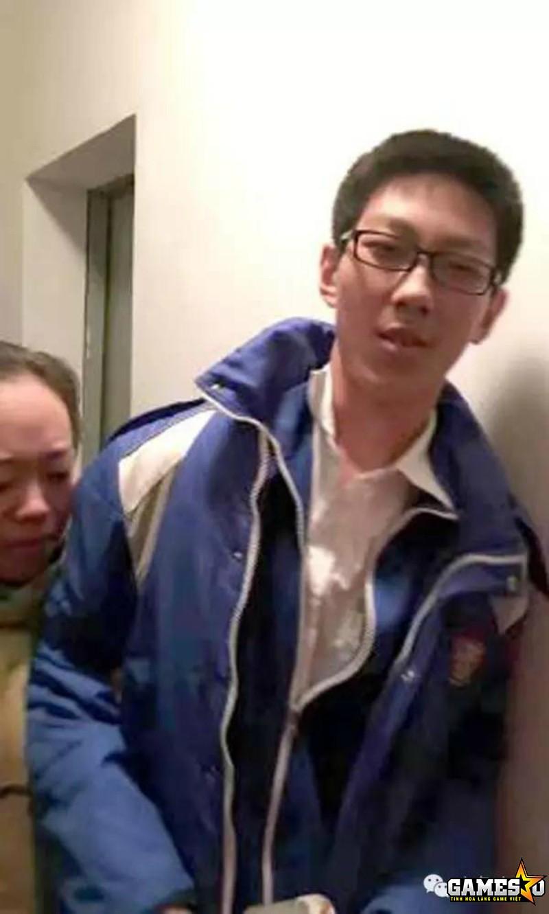 """Chân dung Sun Yixiao - cậu học sinh Trung Quốc 13 tuổi có cách giải quyết """"lạ"""" nhất khi bị mắc kẹt trong thang máy hộp năm giờ đồng hồ"""