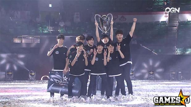 Longzhu giành chức vô địch LCK Mùa Hè 2017 cùng với số tiền thưởng 100 triệu Won (gần 90.000 USD)