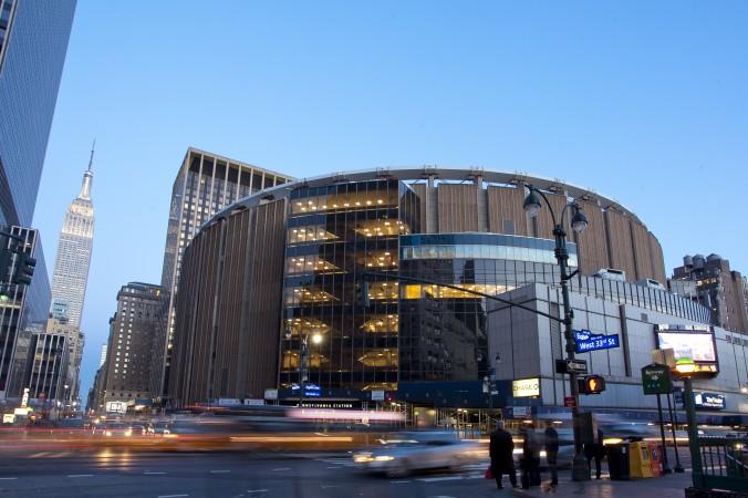 Sân vận động có mái che Madison Square Garden, New York City, New York: nơi tổ chức vòng Bán kết (21/10 – 22/10).