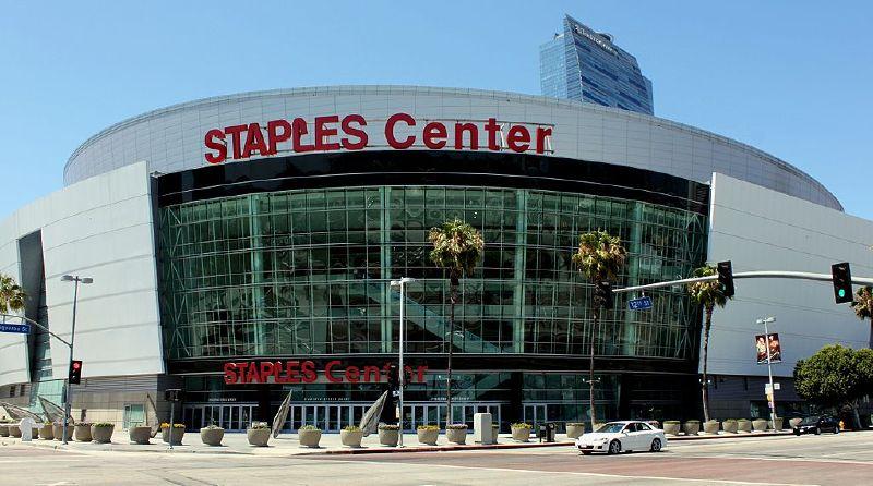 Sân khấu Staples Center, Los Angeles, California: nơi tổ chức trận Chung kết (29/10).