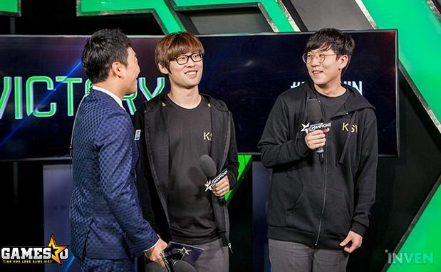 """... thủ của KSV giành được danh hiệu MVP là đi rừng Kang """"Ambition""""  Chan-yong và xạ thủ Park """"Ruler"""" Jae-hyuk, đã tham gia trả lời phỏng vấn  trang Inven."""