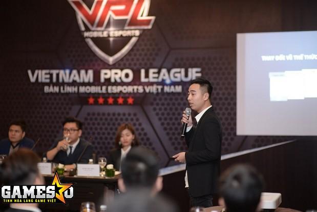 Ông Hưng thuyết trình về những nét mới của bộ môn Tập Kích tại giai đấu VPL 2017, nhấn mạnh sẽ áp dụng nhiều luật lệ thi đấu quốc tế