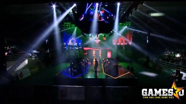 Quang cảnh sân khấu CKQG CF2L 2017 SS1