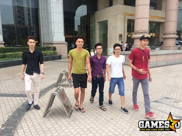 Các thành viên của Dragon đang trong quãng thời gian nghỉ ngơi, thư giãn tại khách sạn được BTC giải đấu chuẩn bị