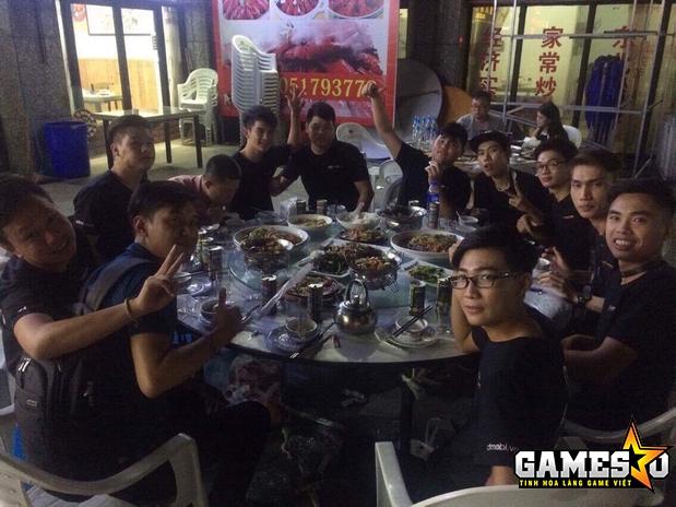 Đoàn Việt Nam tham dự CFMAI 2017 đi ăn uống và thăm thú những địa điểm nổi tiếng của thành phố Thượng Hải