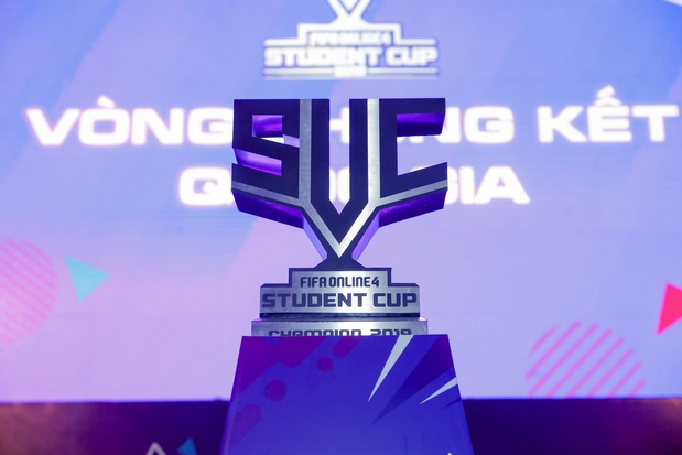 Chiếc cup danh giá của FIFA Online 4 Student Cup 2019