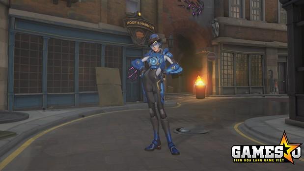 Ở nhiệm vụ đầu tiên cùng với Overwatch team, trang phục đầu tiên mà Oxton sử dụng có giá 3000 credits