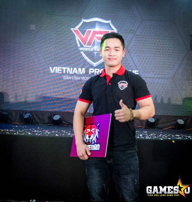TV.An được BTC trao tặng danh hiệu MVP của trận Chung kết