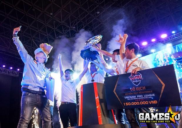 Water Margin đã giành được danh hiệu vô địch Truy Kích Mobile giải đấu VPL Mùa Xuân 2017 một cách hoàn toàn thuyết phục