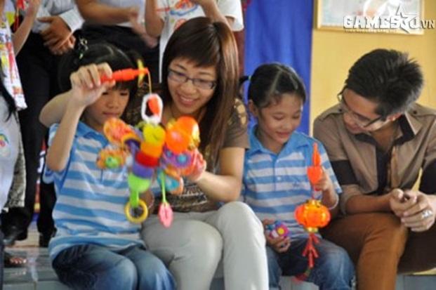 Hoạt động thiện nguyện Trung Thu Cho Em vào năm 2009 của cộng đồng VLTK