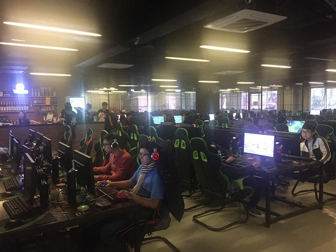 Choáng với độ hoành tráng của tổ hợp quán game 250 máy: Vikings FPS Stadium - ảnh 6