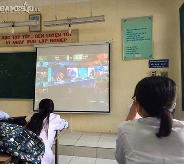 Giáo viên bá đạo mở CKTG LMHT 2016 ngay giữa giờ học cho sinh viên xem - ảnh 2