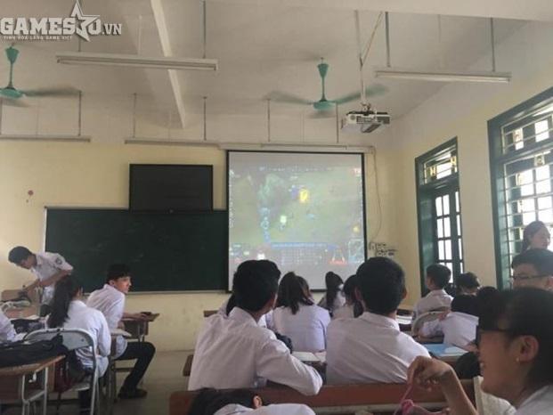 Giáo viên bá đạo mở CKTG LMHT 2016 ngay giữa giờ học cho sinh viên xem - ảnh 3