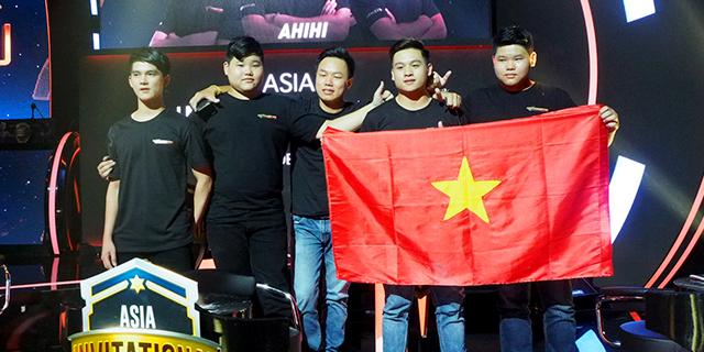 ĐKVĐ Việt Nam góp mặt trong top 4 giải đấu CF Legends quốc tế