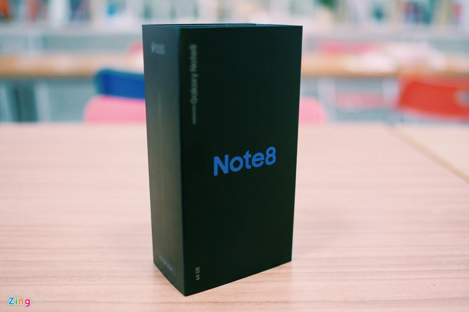 Mở hộp Galaxy Note 8 sắp lên kệ ở Việt Nam