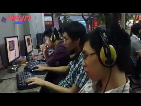 Nam game thủ thất tình nghe nhạc khóc luôn tại quán net