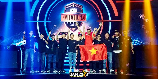Khoảnh khắc đẹp của đại diện CF Legends Việt Nam trên sàn đấu quốc tế