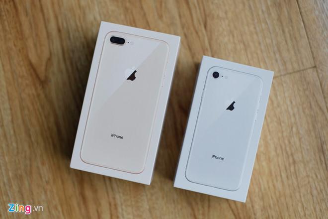 iPhone 8 đầu tiên về VN giá từ 19,9 triệu đồng