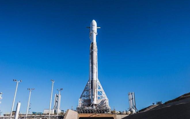 SpaceX đang đưa vệ tinh Internet lên quỹ đạo Trái Đất