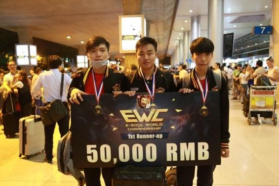 Nhìn lại những pha backdoor mà người hâm mộ eSports Việt không thể nào quên