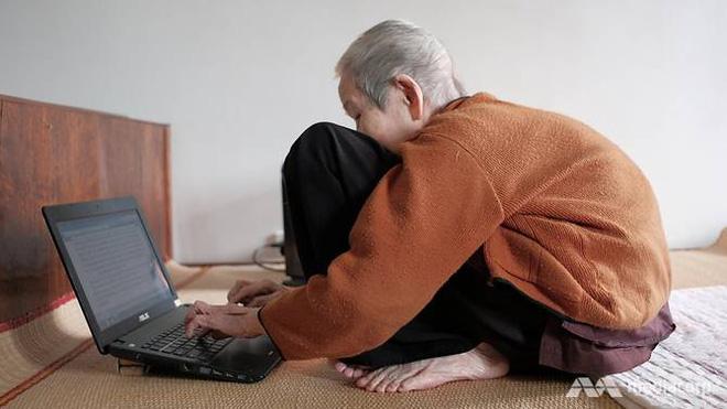 Báo nước ngoài đưa tin về cụ bà Việt 97 tuổi vẫn sử dụng thành thạo Internet: Nếu có 10 điều tôi không biết, tôi sẽ cố gắng học cả 10 điều đó