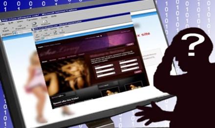 Game thủ đổi web game thành web đen để tăng lượt truy cập