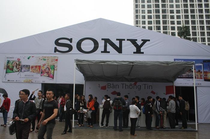 Mưa gió không làm Sony Show 2014 Hà Nội giảm 'nhiệt'